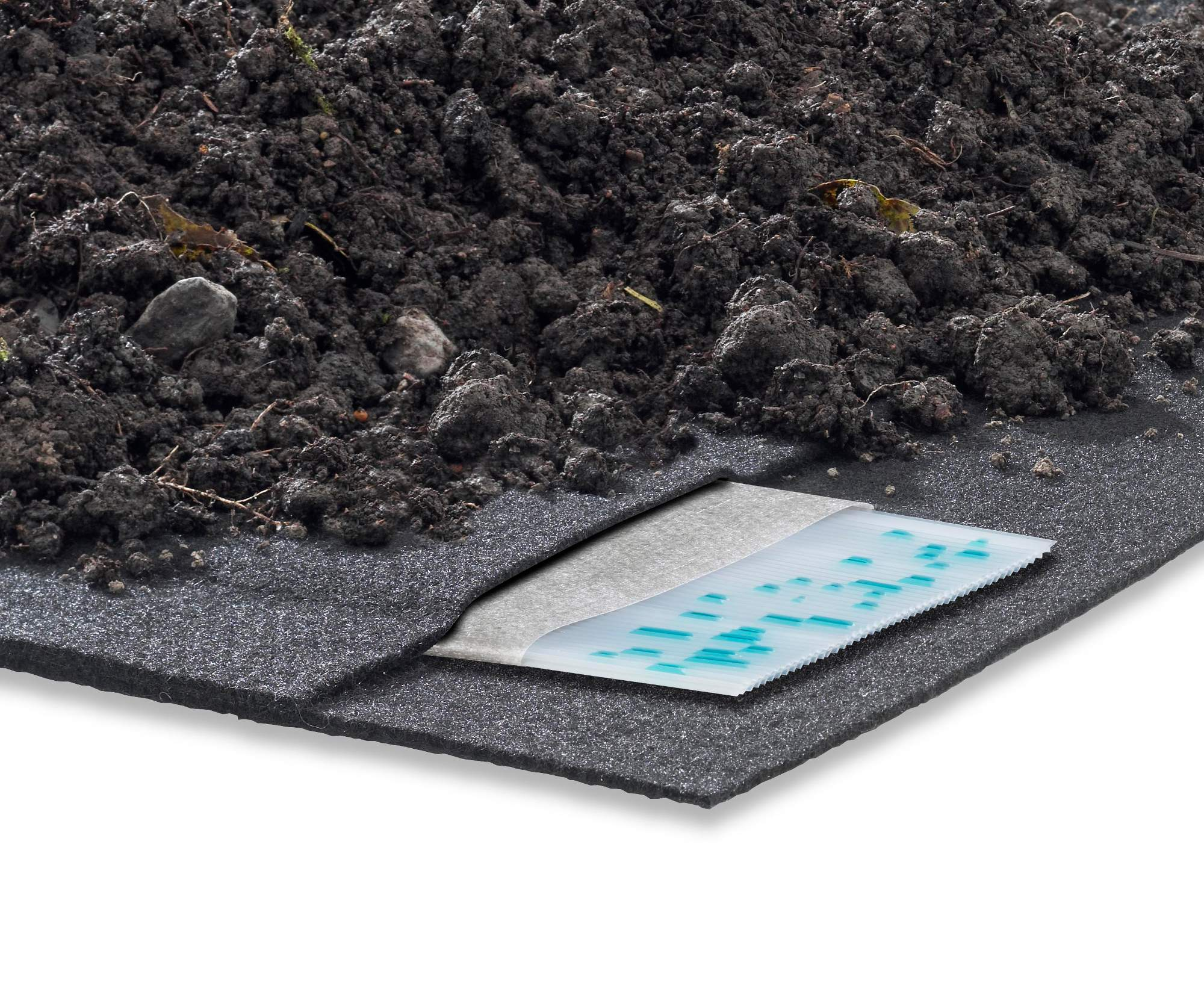Geocomposite drainage and protection