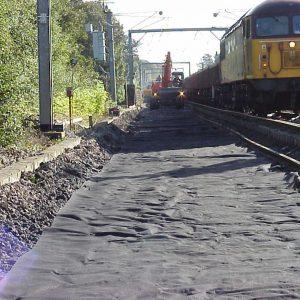 Geotextile filter rail